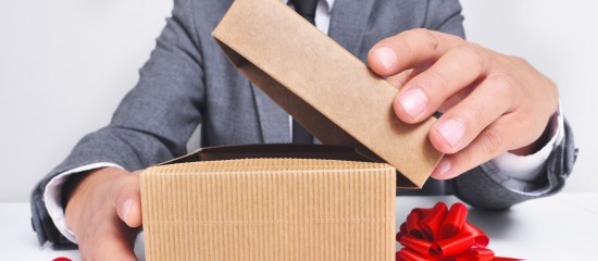 Cadeaux et bons d'achat offerts aux salariés: remise en cause de l'exonération de cotisations